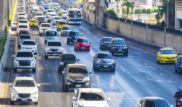 city life heavy traffic jam rush